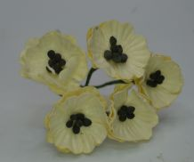 EGG SHELL IVORY POPPY / PAPAVER (1.8 cm) Mulberry Paper Flowers
